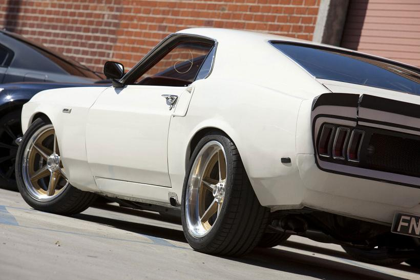Fast-Furious-6-Cars-1969-Anvil-Mustang-Exterior-Left-Side-Body-Details