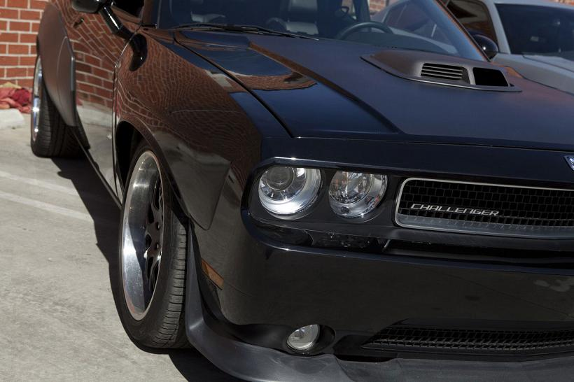 Fast-Furious-6-Cars-2010-Dodge-Challenger-Exterior-Headlights-Details